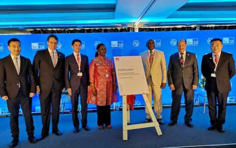 From left: Xue Man, Vice President of Huawei Global Public Affairs, Andre Borges, Secretary of MCTIC, Brazil, Zhou Mingcheng, Vice President of Huawei Global Government Affairs Dept., Hon. Ursula Owusu-Ekuful, Minister for Communications, Ghana, Dr. Siyanbonga Cwele, Minister of Telecommunications and Postal Services, Dr. Abdulaziz Al-Ruwais, Governor of CITC, Saudi Arabia, Zhou Jianjun, Vice President of Huawei Carrier Business Group