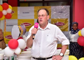 AkzoNobel Commercial Director for East Africa, Deon Nieuwoudt, who led the discussions and demonstrations