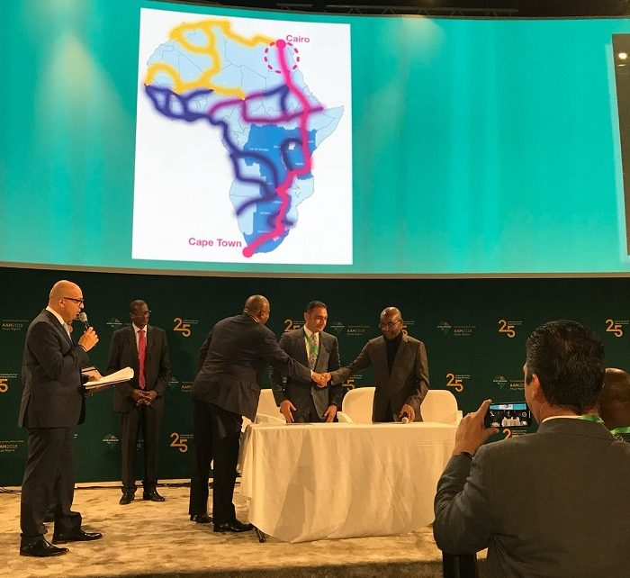 Telecom Egypt will use the network to connect Egyptian businesses to the rest of Africa, whilst also partnering with Liquid Telecom to build data centres across Egypt.