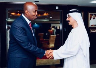Ambasadour Omar Bashe Awil (Left) shakes hands with Sultan Bin Sulayem, the Chairman and CEO of DP World, one of the leading UAE companies investing in Somaliland. Bashe represented Somaliland in UAE when the trade deals were signed making Somaliland the leading Africa's investment destination for the UAE