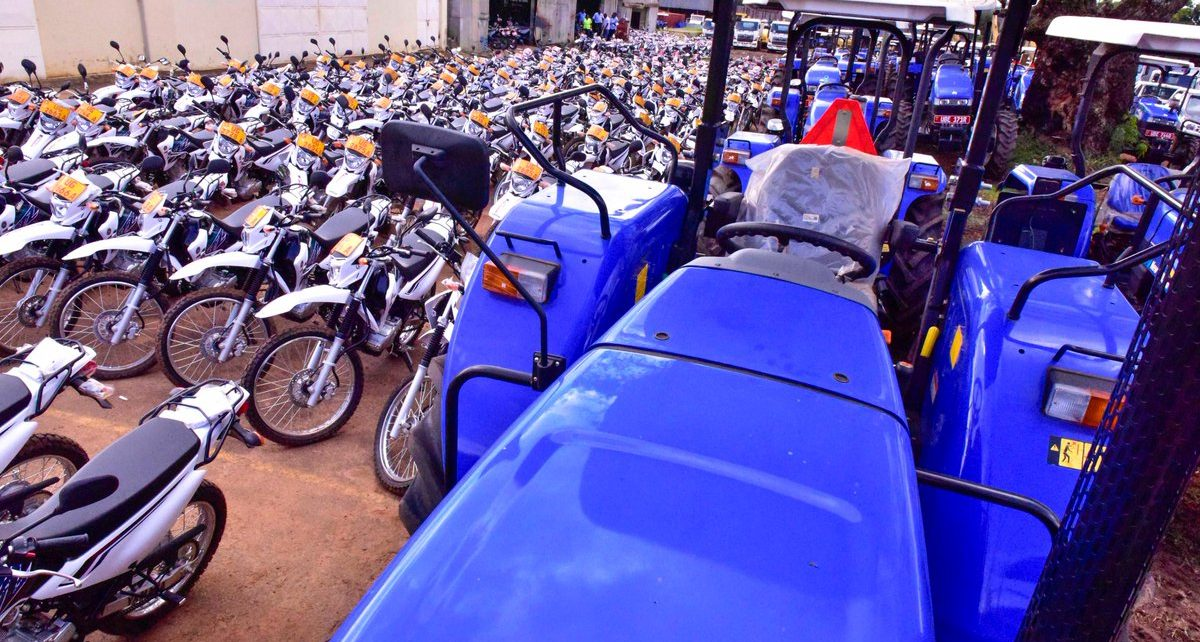 President Museveni handed over agricultural machinery and vehicles to agricultural extension workers to promote agricultural mechanization in the country.
